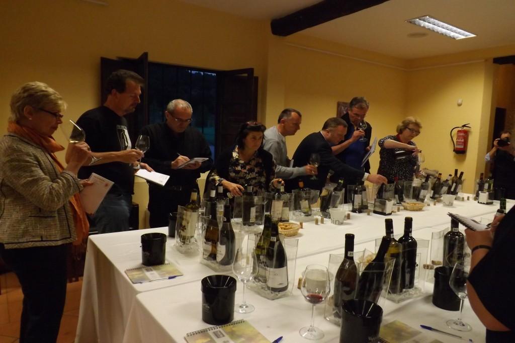 Cata de los vinos por parte de los MW
